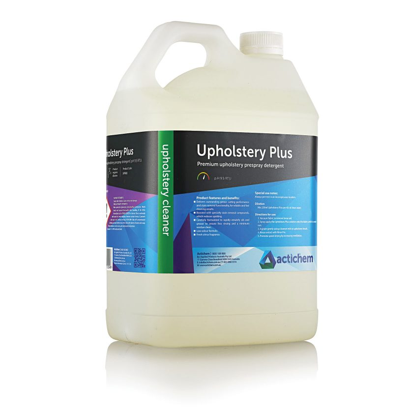 Prespray detergent for extraction cleaning of synthetic upholstery in 5lt